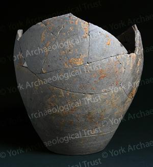 5000-2222 pot black backgroundLW.jpg