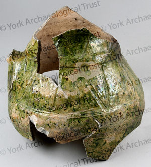 5000-1701 sf  6344 context 40773 possibly York type ware 13th14th century lw.jpg