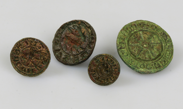 In the Middle Ages, seals were used by the upper classes and craftsmen to validate a document. The matrices could be highly decorated.