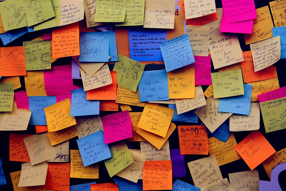 POST-IT - Feedback - Comments - Suggestions - Questions