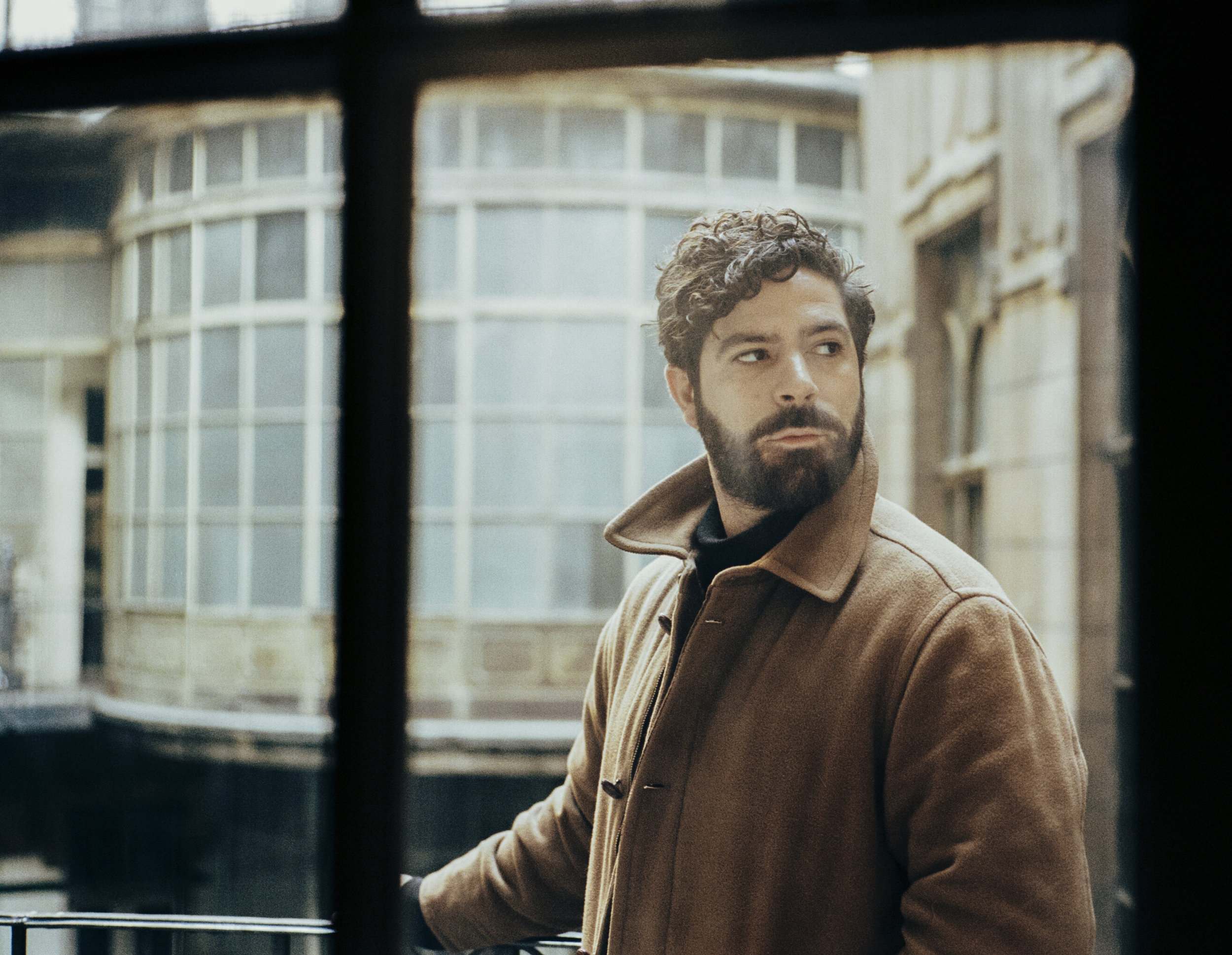 Yannis_Window1_V4.jpg