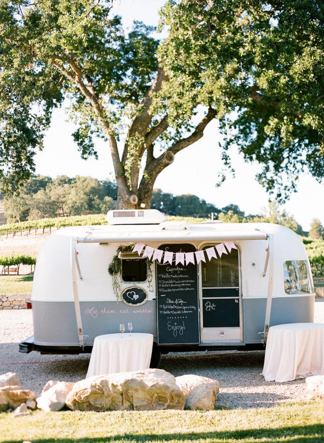 wedding-food-trucks.jpg