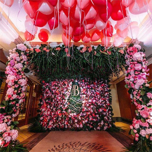 Balloon wedding fun on the blog today!! #fineartweddingshow #balloons #weddingideas . . Photo: Bubblegum Balloonz