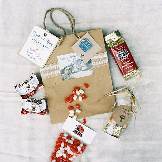 When it comes to weddings, what exactly is a welcome gift? Welcome gifts are thoughtful, fun or creative ways to greet your guests when they arrive for your wedding. (Read more on our blog) Photo: Adam Barnes .. #welcomegifts #raleighwedding #ncwedding