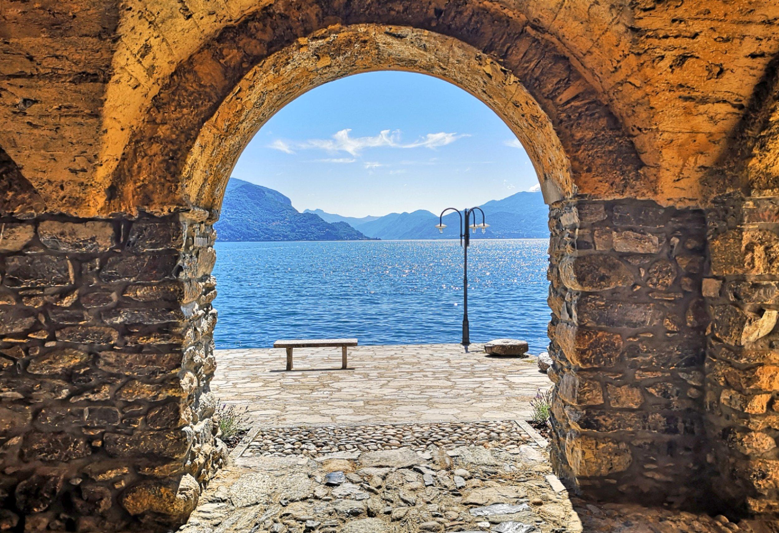 "Sara's ""place of the heart"" on Lake Como: the old hamlet of Rezzonico (San Siro)"