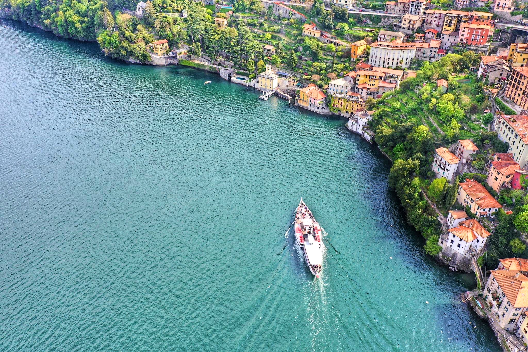 A ferry in Nesso. Image by  Valerio Carletto