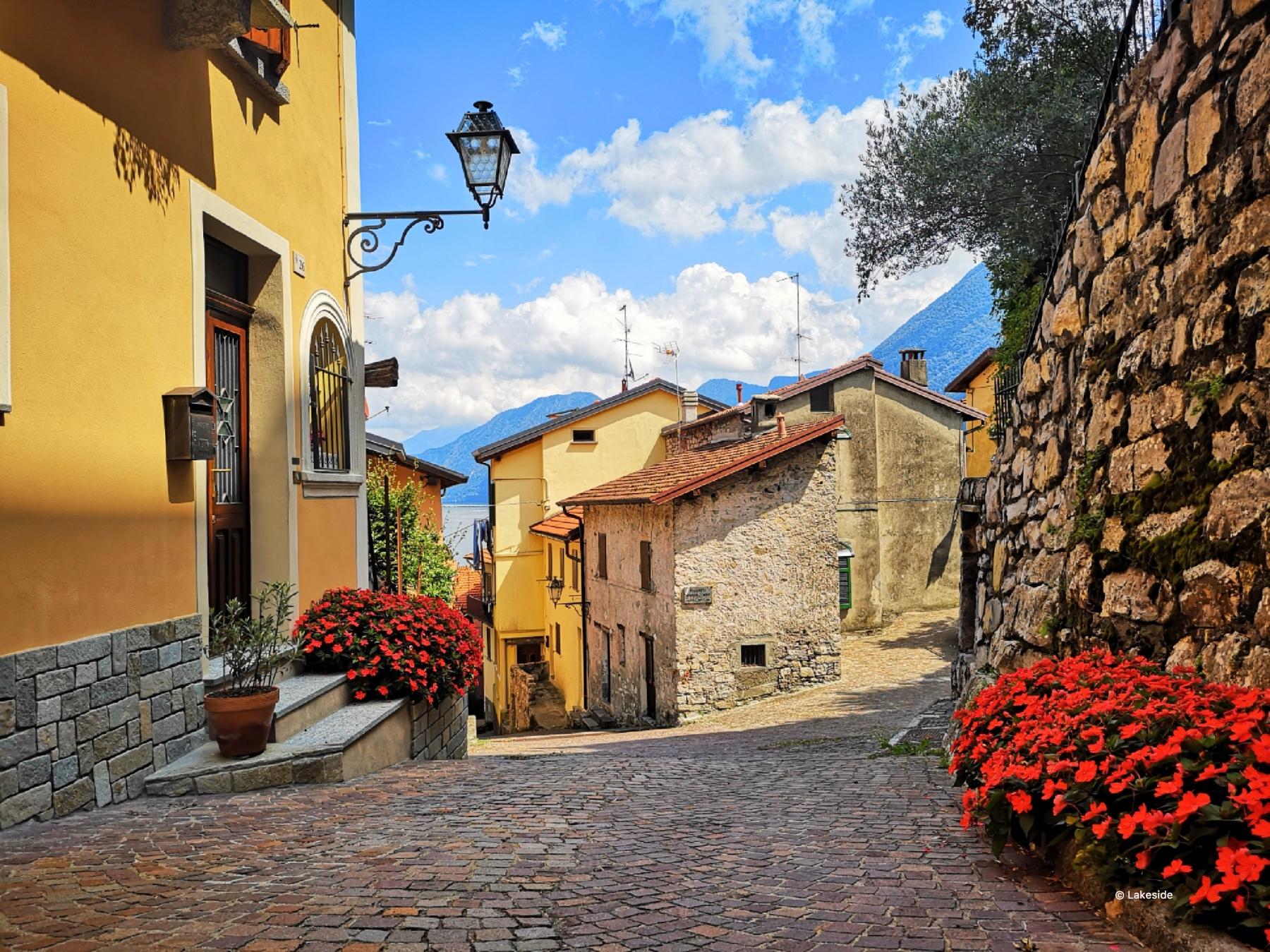 The romantic alleys leading towards Castello district