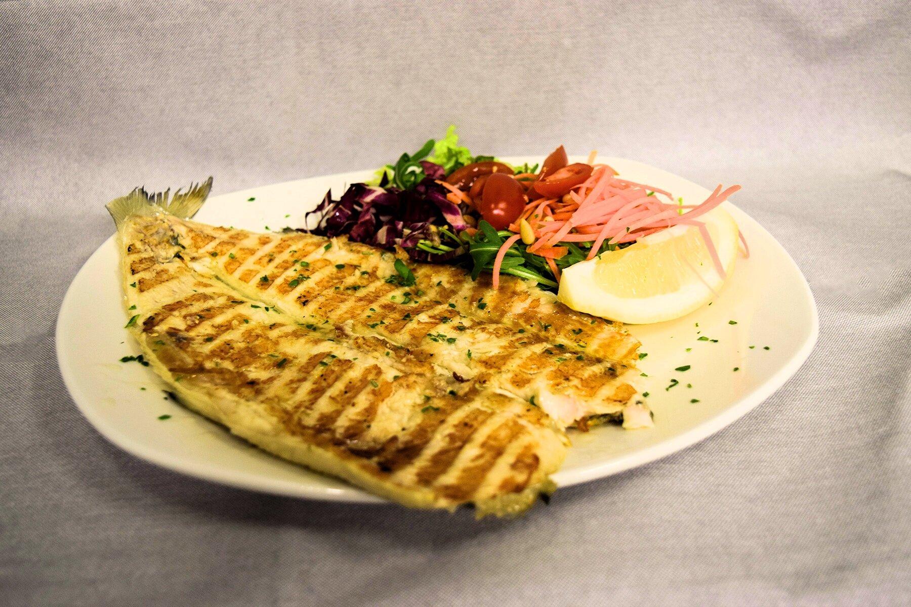 Image via  Farout restaurant