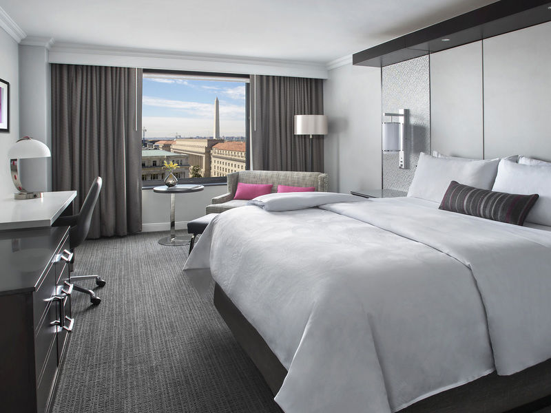 image-jw_marriott_dc_king_view_guest_room-10386.jpg
