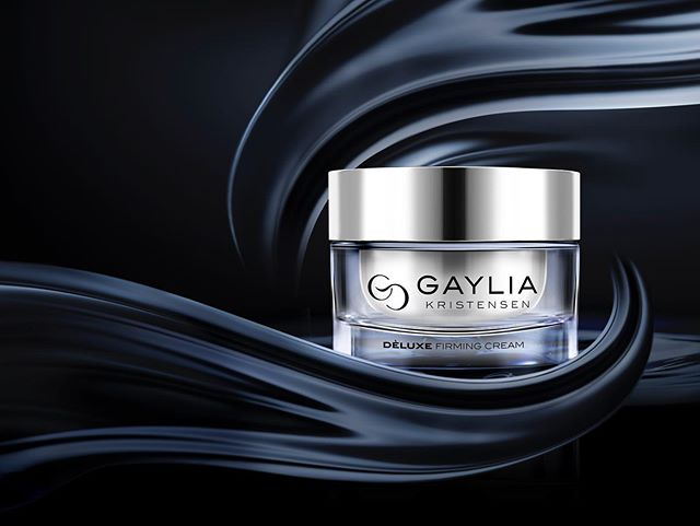 The ripple effect of the DELUXE firming cream by  G A Y L I A  K R I S T E N S E N  will send your skin to new levels. With a 7 technology formulation. Expect the unexpected with firming, hydration & a glistening glow.