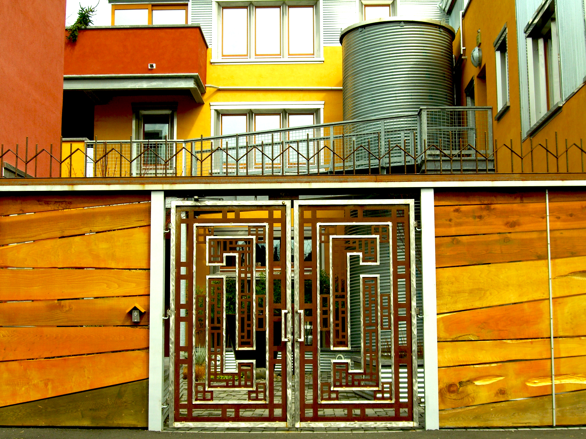 Watershed-Building-geometric-design-custom-fabricated-gate