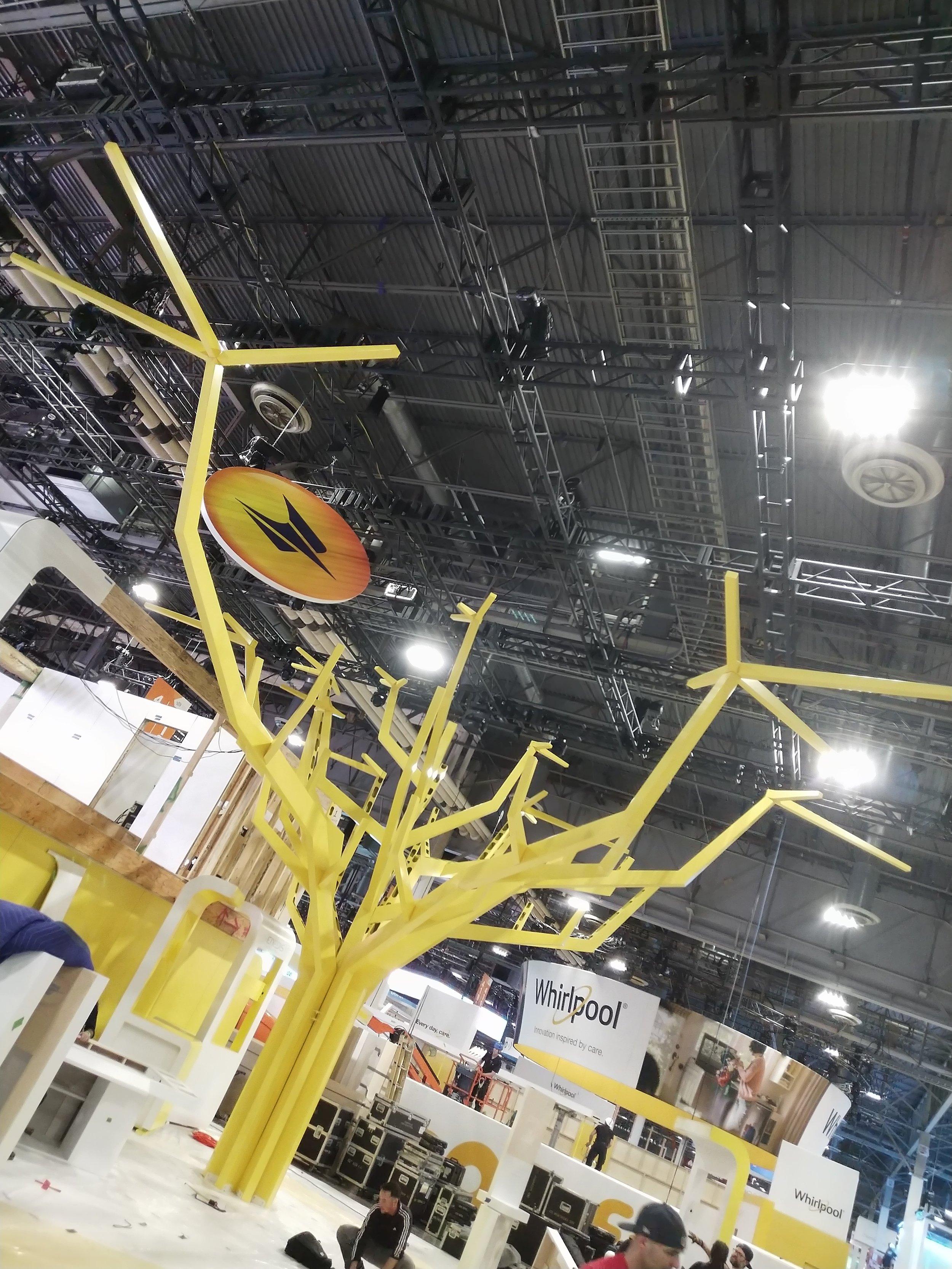 La-Poste-custom-fabricated-powder-coated-yellow-tree