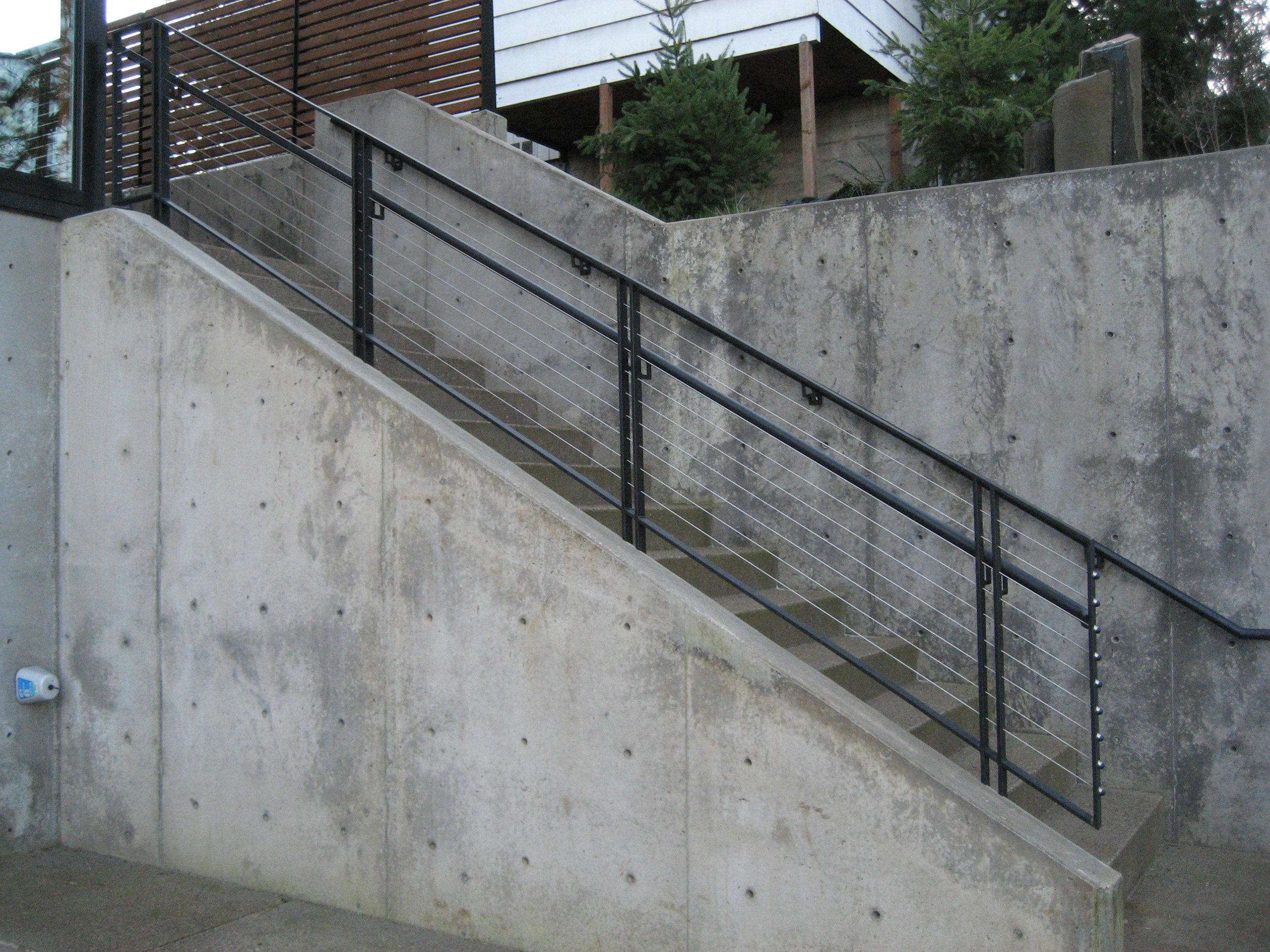 Handrail with Stainless Steel Cable