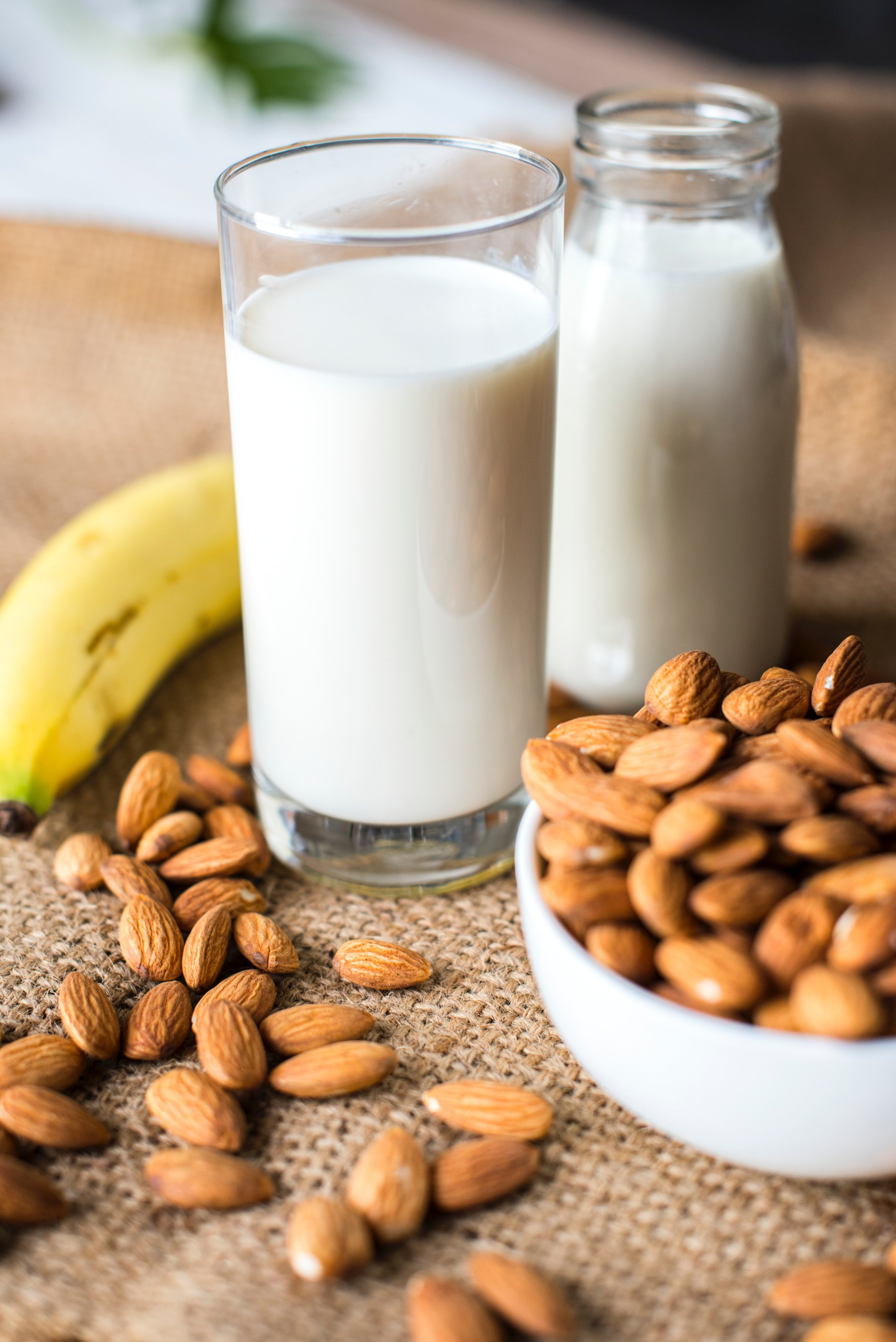 Almonds are high in calcium, which strengthens our bones.
