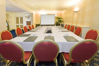 MEETINGS - The function room can be set up to suit any meeting, either square, horseshoe or theatre style.The room can be hired for either half or full day, please contact us for prices.We are also able to provide lunch being either a buffet style within the function room or a table(s) reserved in our main restaurant.A tea and coffee station can also be provided if required.
