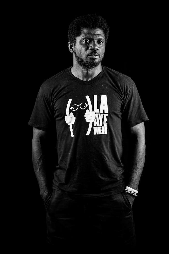 GAUZ,  écrivain, photographe et documentariste, en partenariat avec l'association « Lire à Douala »