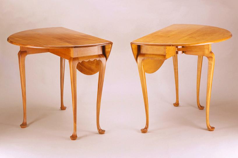 Round gateleg tables