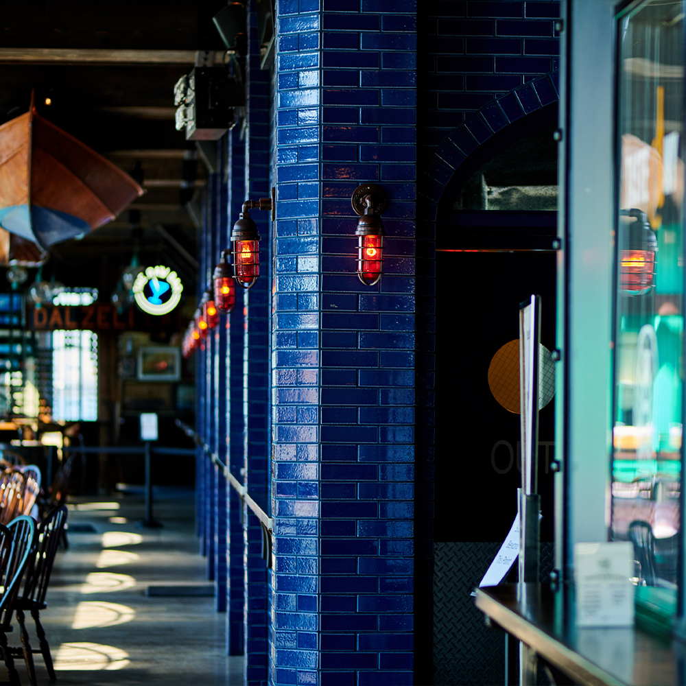 oyster bar shurcking area and seating area in Battery Park, FiDi 10004 – Oyster House at Pier A NYC.jpg