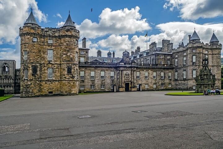 Palace of Holyroodhouse.jpg