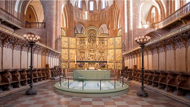 Roskilde Cathedral.jpg