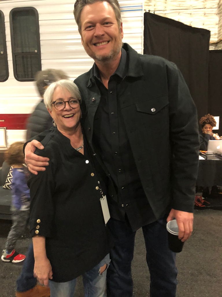 Cofounder Patsy Noah with Blake Shelton