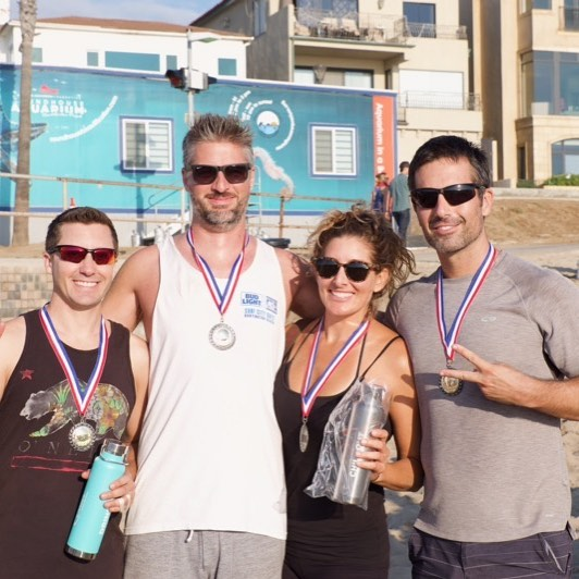 """Yet another group of diehards who crushed it at the  4DF🏐URS! """"Silver Division"""" Tag your team..... 👊🏻🏐🙌🏻 #4dfours #4dkfours #hearthealthawareness #beach #volleyball #tournament #fundraiser #manhattanbeach #hermosabeach #redondobeach #southbay #downtownmanhattanbeach #playforacause"""