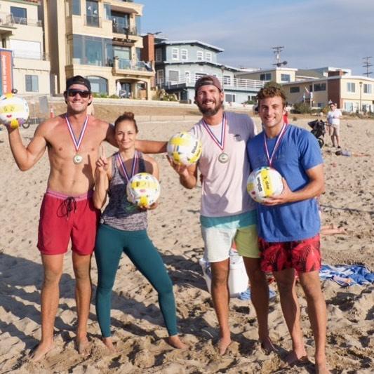 "Here is a shout out to another team that ""Crushed It"" at the 4DF🏐URS ...... ""Gold"" division Crystal Meadows, Eric Beranek, Drew Punjabi, Ryan Meehan 🥈🥈🥈🥈 #4dfours #4dkfours #hearthealthawareness #beach #volleyball #tournament #fundraiser #manhattanbeach #hermosabeach #redondobeach #southbay #downtownmanhattanbeach #playforacause ,"
