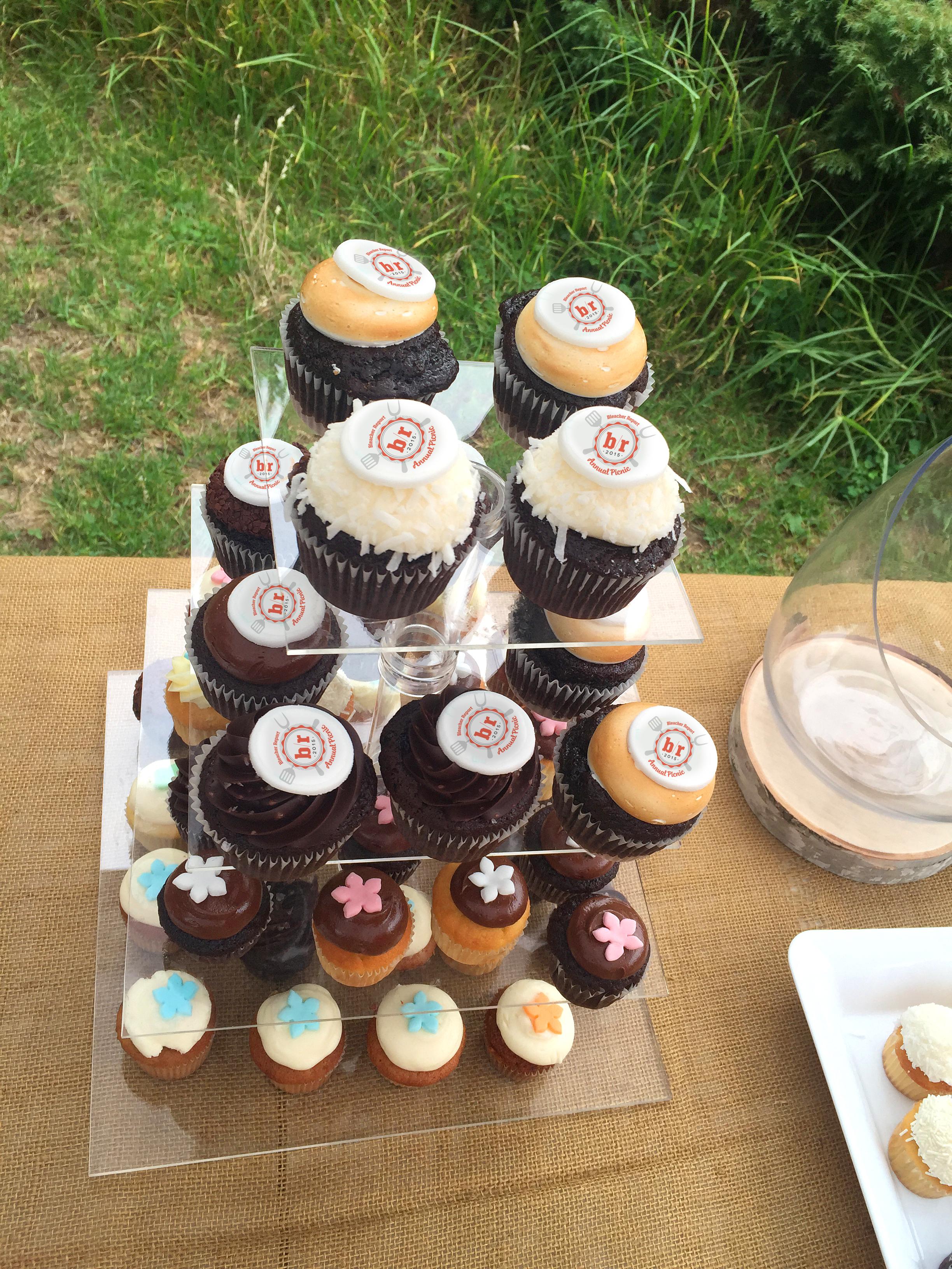 tower_of_cupcakes.jpg