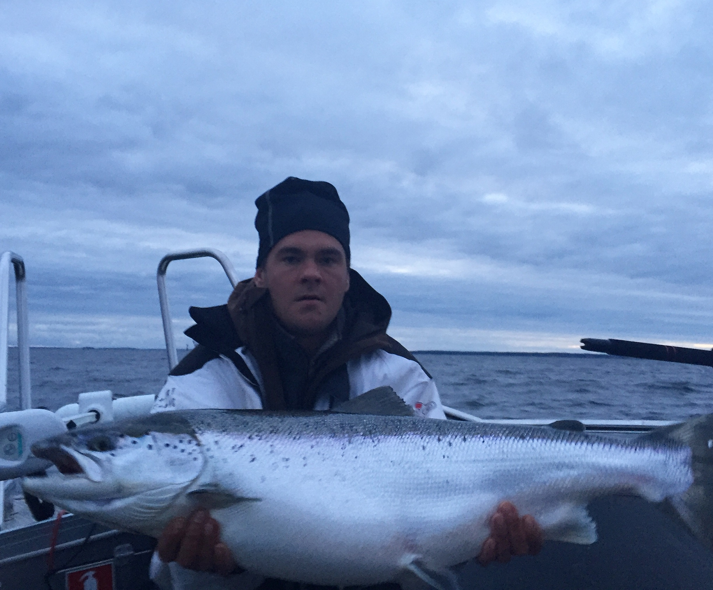 Salmon Trosa fishing guide 12,5.jpeg