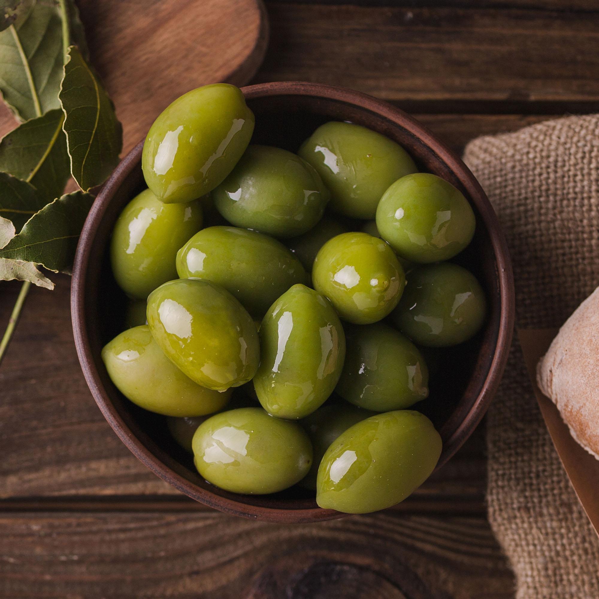 Green-Olive_olives_lr.jpg