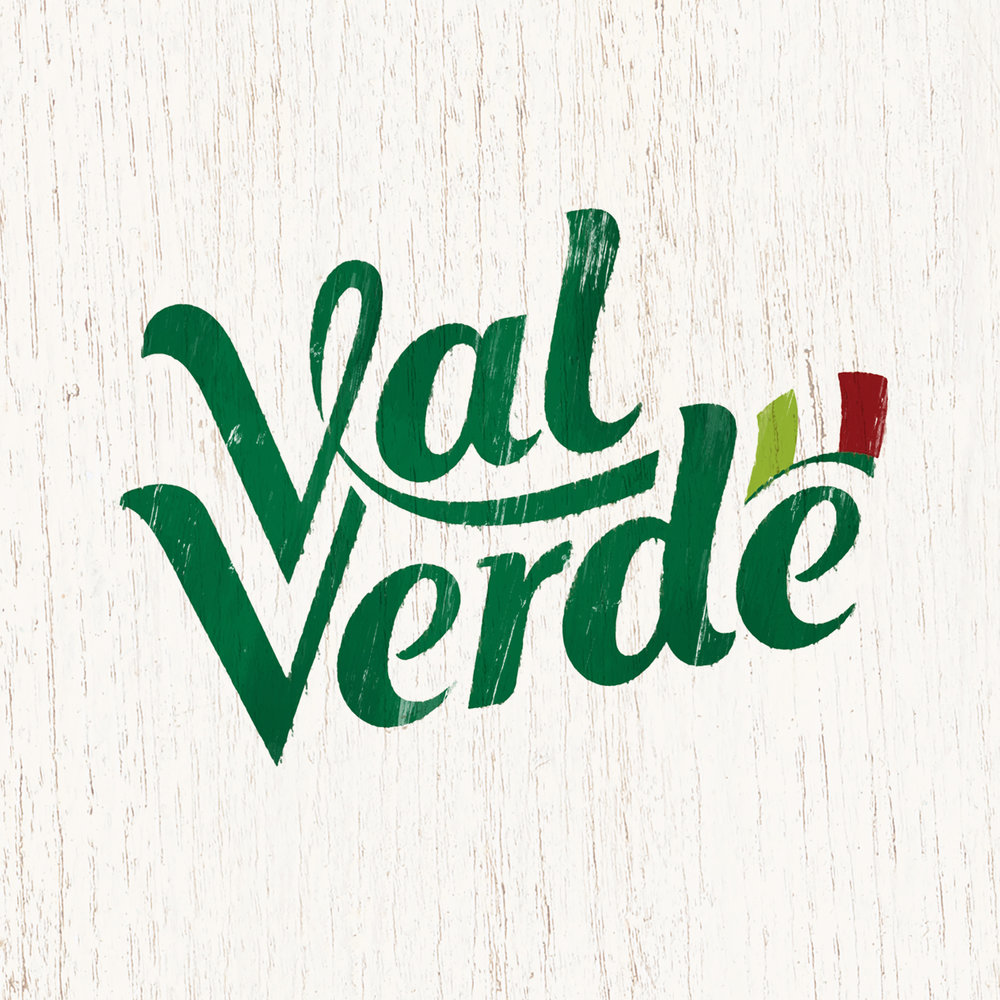 Val-Verde_Logo-on-wooden-texture_v2.jpg