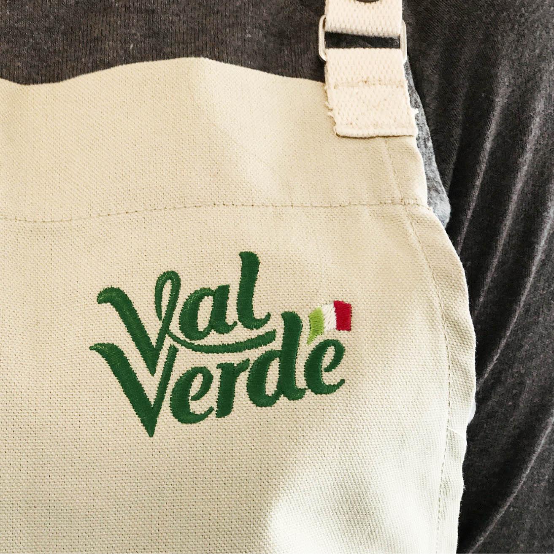 Val-Verde_pinafore.jpg