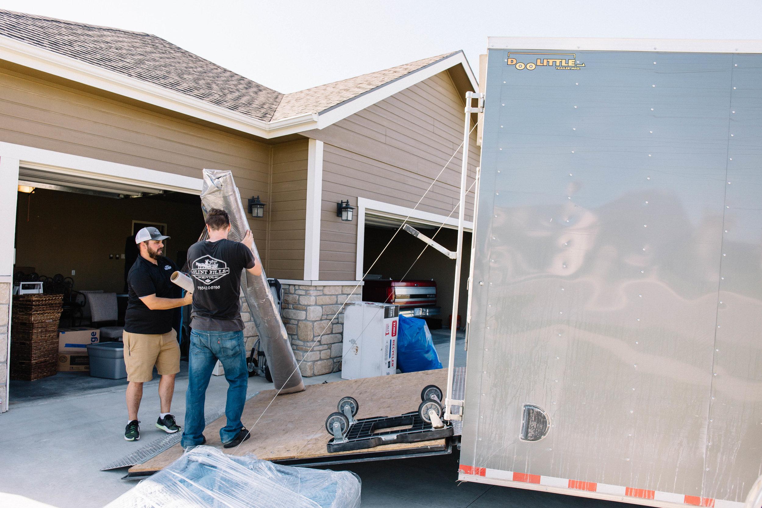 Flint Hills Moving Manhattan Kansas Moving Truck Moving Company Best Moving Company Uhaul Budget
