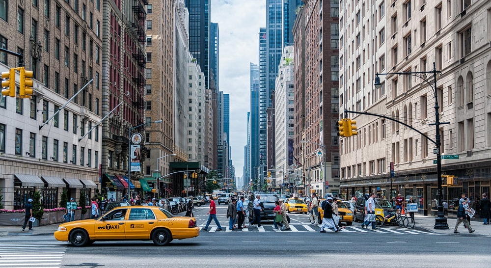 Sixth_Avenue_and_Central_Park_South_(Unsplash).jpg