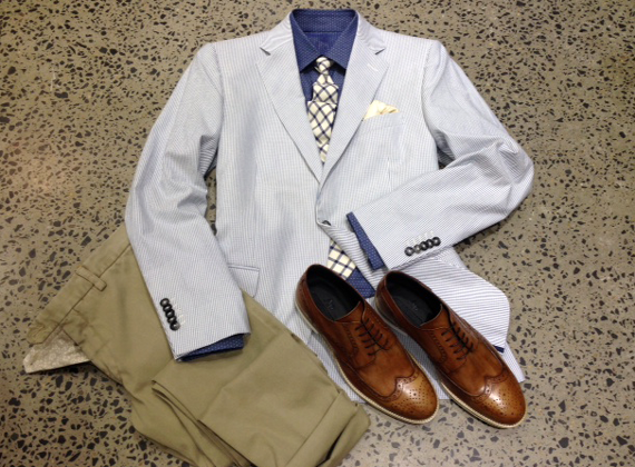 Need some inspiration? Our stylist has put together a great summer outfit for you to try – mixing and matching with our luxurious tailored jacket and a casual pair of chinos.