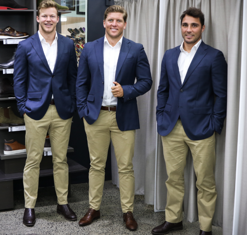 - MAKING A STATEMENTWaratahs management wanted to ensure the 2019 squad were dressed in unique off-field tailored wear that represented a unified team made up of many special individuals. We needed to make their kit unique. The internal linings, the style of buttons on each jacket, pant and shirt, the colour of the button stitch, the way each garment would sit on each player. The right shirt collar style so that it looks crisp and sharp with each wear. Every detail discussed and documented.