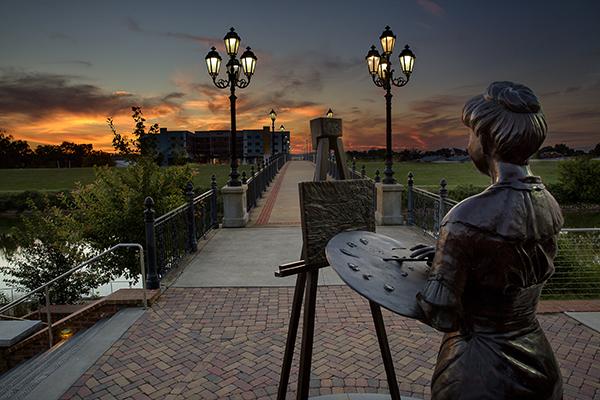 Bridge Statue3.jpg