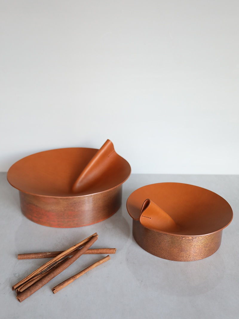 Rotonda holders by Uniqka