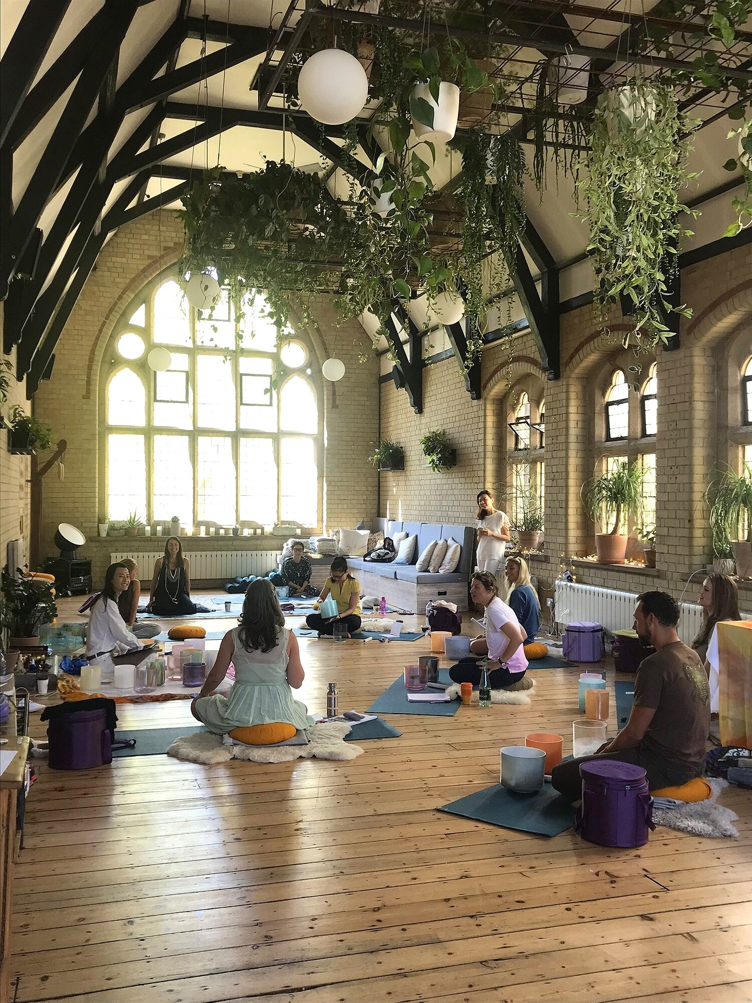 ALCHEMY CRYSTAL SINGING BOWLS LEVEL 1 TRAINING - A two day course to learn about the art of sound healing and alchemy crystal singing bowls.> Level 1 Training 2019> Level 1 Training 2020
