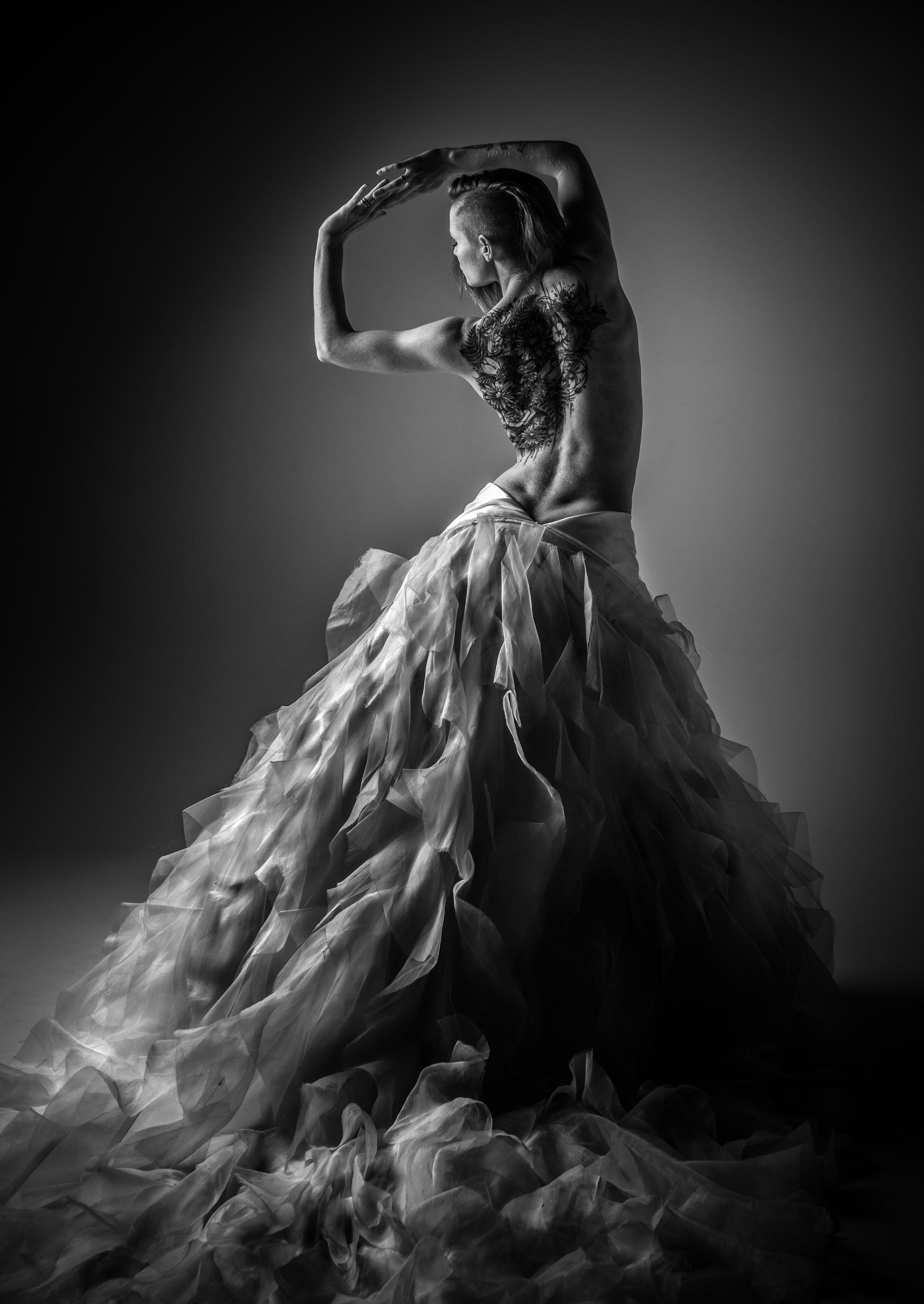 Tom_Lupton_Photography_Portraits_Wedding_Gown.jpg