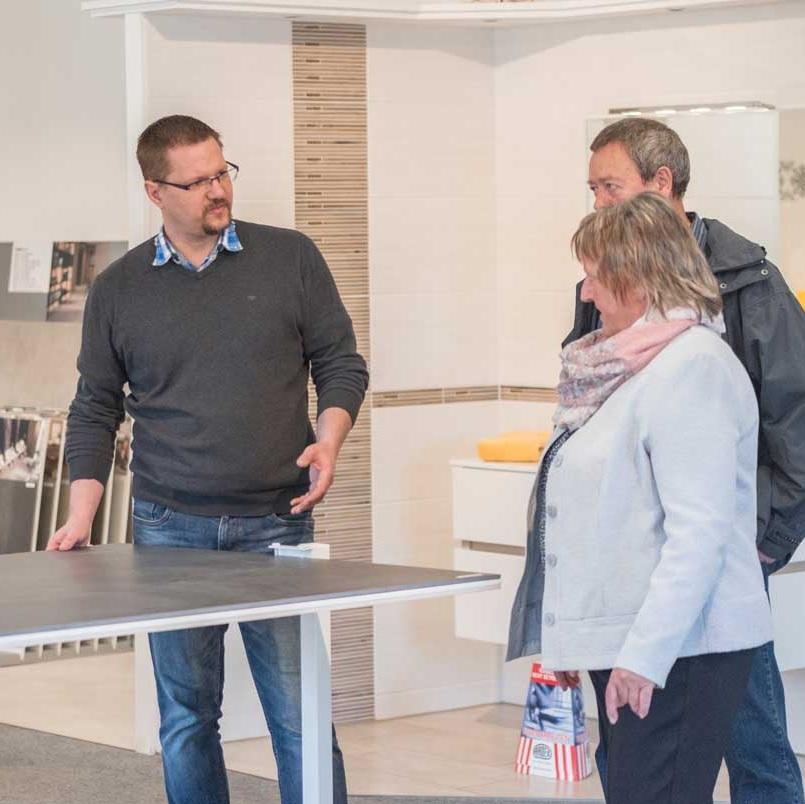 Fachkundige Beratung und planung - Unser fachkundiges Team berät Sie bei der Produktauswahl und klärt Sie über Funktionalitäts- und Designaspekte auf. Durch ästhetische und individuelle Wohnraumplanung helfen wir Ihnen beim Finden Ihrer persönlichen Wohlfühloase.
