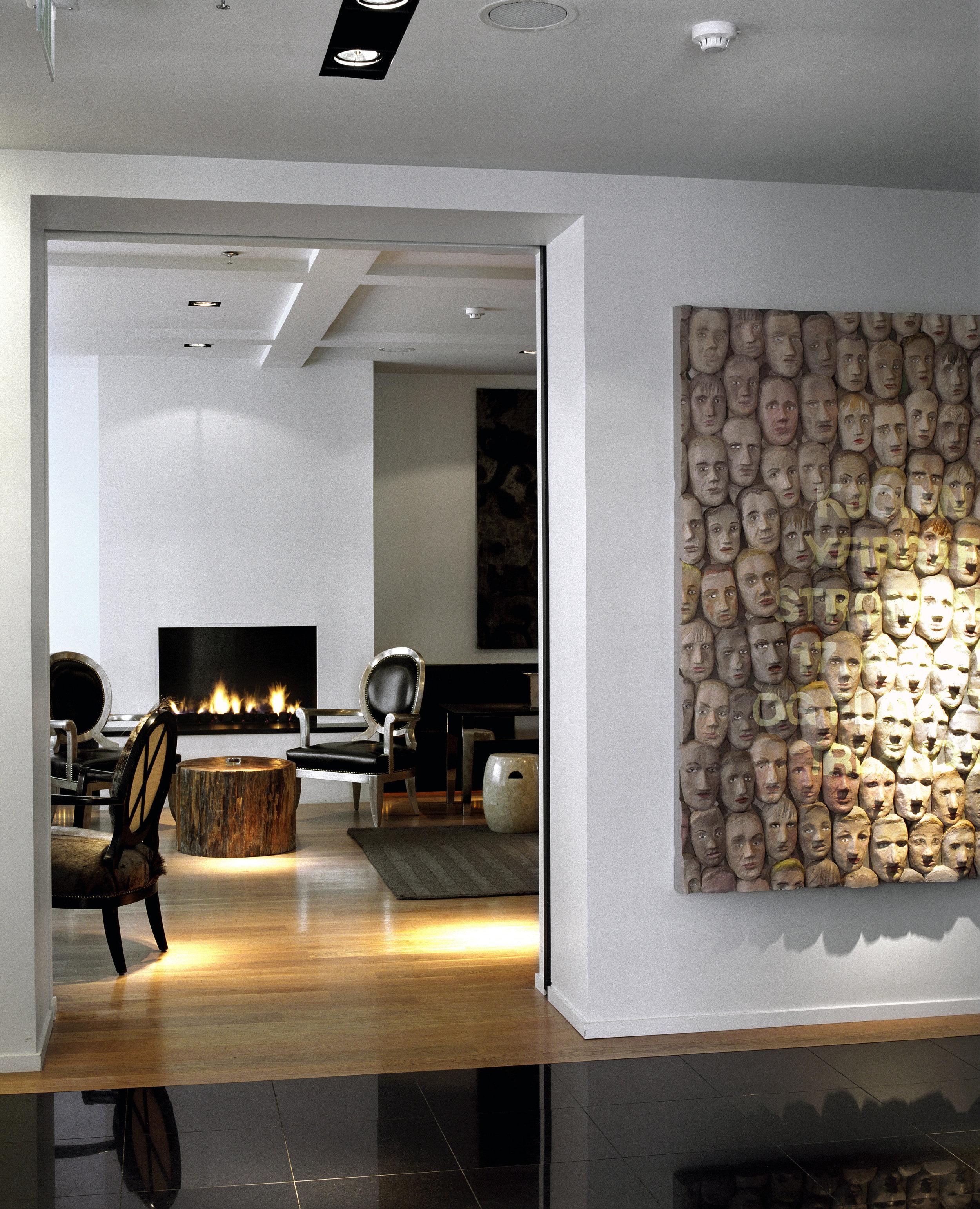 lounge-entrance.jpg