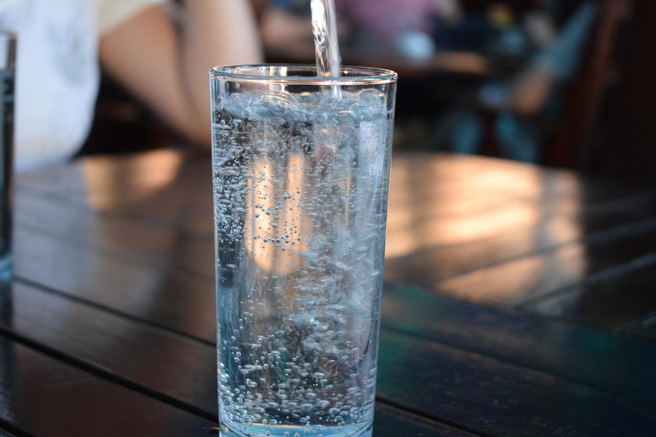 bottle-2582012_1280.jpg