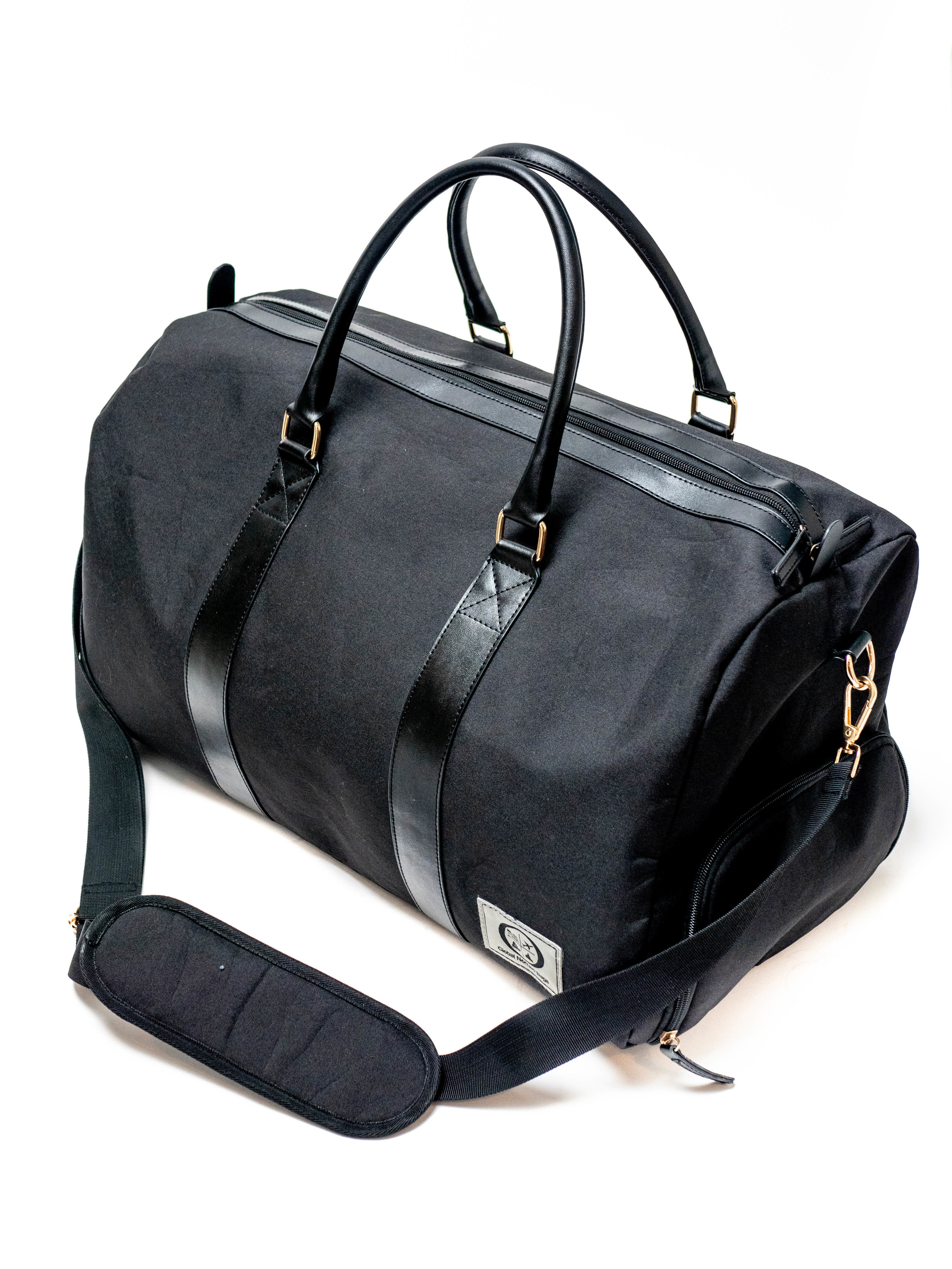 The perfect travel companion - Designed to meet the airline personal baggage size, this is ideal for trips across the world to trips to the gym.