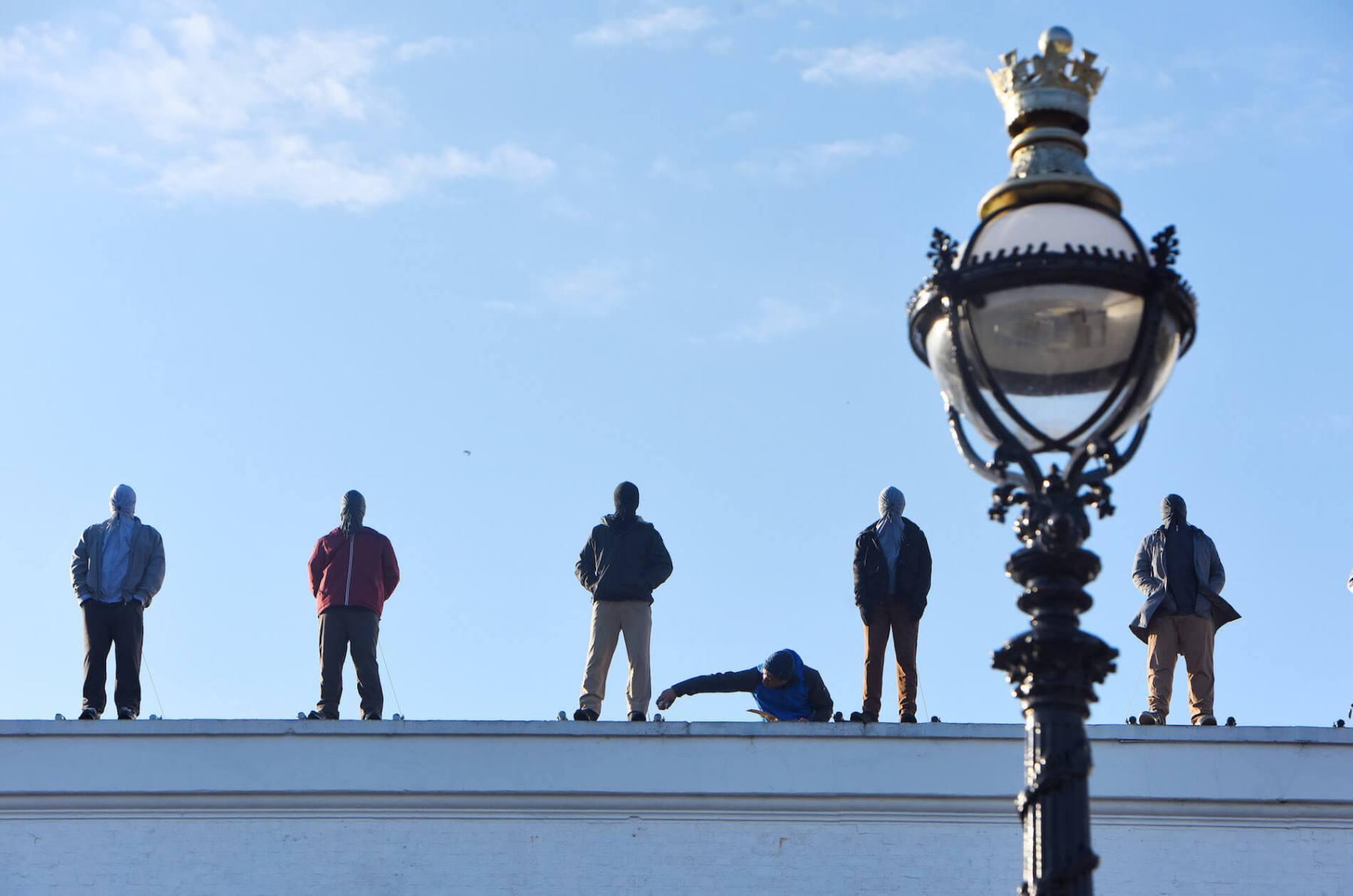Mark-Jenkins-suicide-awareness-calm-london-rooftops-84-sculptures-21.jpg