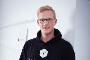 """""""It was astonishing how much we achieved in such a short timeframe. The facilitator ensured that we were always moving in the right direction and that the team stayed motivated. The Design Sprint enabled every participant to contribute their ideas and shape the prototype."""" - Co-Founder of Talentcube, Sebastian Niewöhner"""