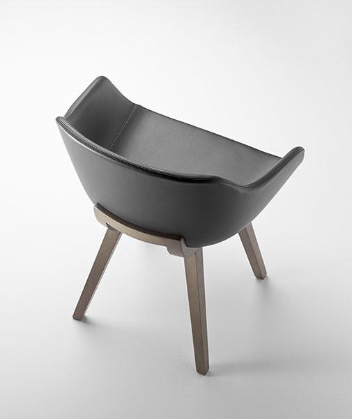 Kuskoa Bi Bioplastic chair in leather
