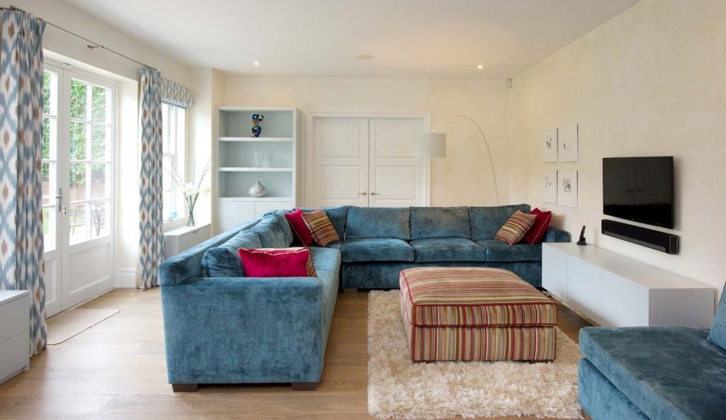 sofa-1024x593.jpg