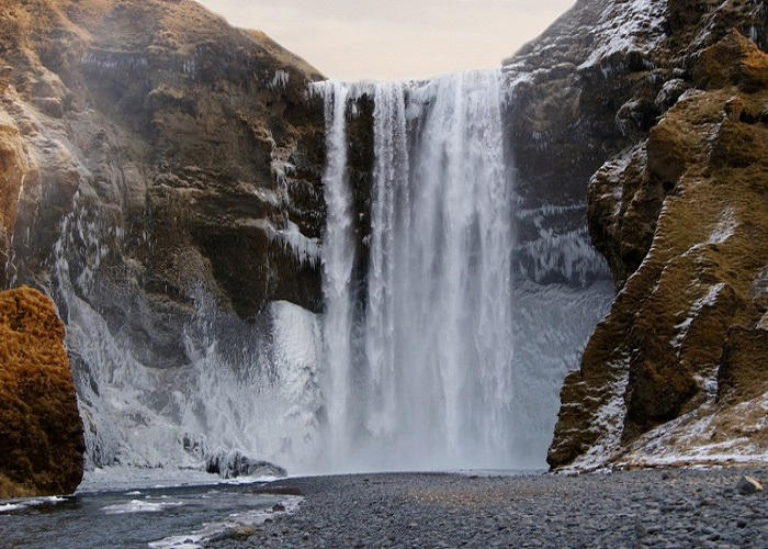 Skógarfoss waterfall.jpg