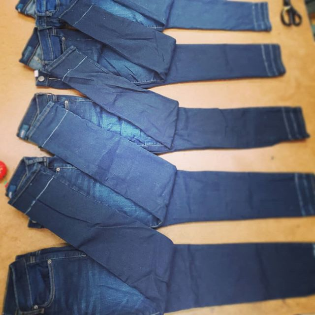 Hem on hem on hem🧶🧵🧥 For inquiries please refer to our website, linked in our bio!  Leave us a review on Yelp! Recomend us on Facebook!! Cheers! 👍✌ #tailoring #fashion #style #seamstress #denim #handmade #ladyinblue #sewing #womenswear #womensfashion  #womenstyle #dapper  #ladies #women #womenwithclass#garmentdistrict #34thstreet #newyork #newyorkcity #alterations#hem #garment #clothes #creation #smallbusiness #stitch